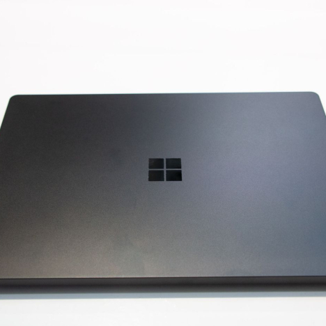 Surface Laptop 2 | Core i5 / RAM 8GB /  SSD 128GB 6