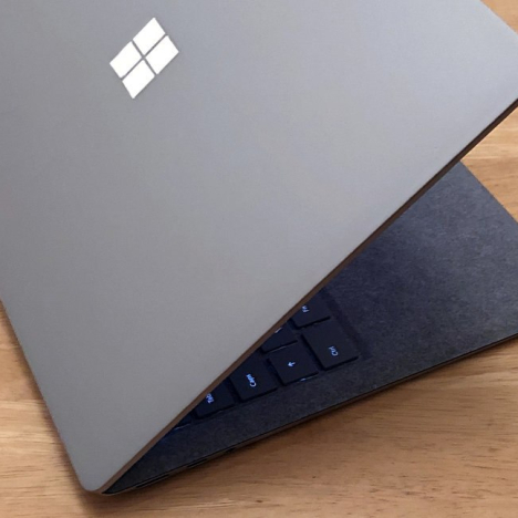 Surface Laptop 2 | Core i5 / RAM 8GB / SSD 256GB 6