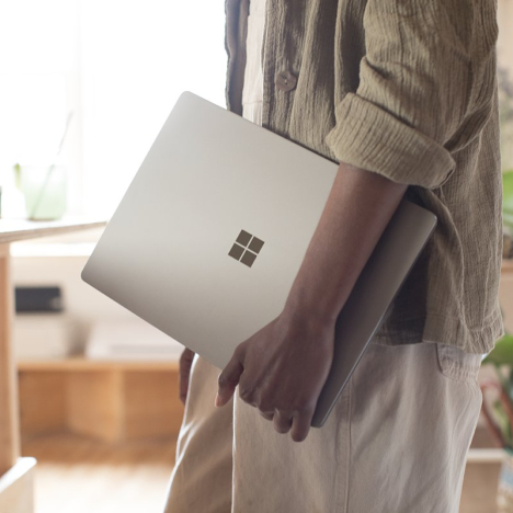 Surface Laptop | Core i5 / RAM 8GB / SSD 256GB 6