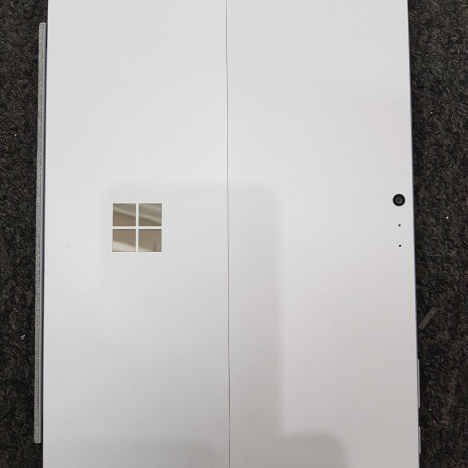 Surface Pro 5 2017 ( i5/8GB/256GB ) + Type Cover 4