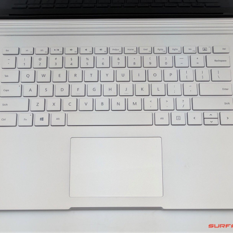 Surface Book ( i5/8GB/128GB ) 3