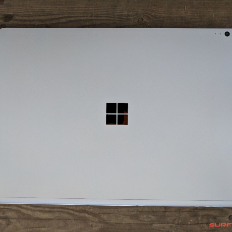 Surface Book ( i7/8GB/256GB ) 4