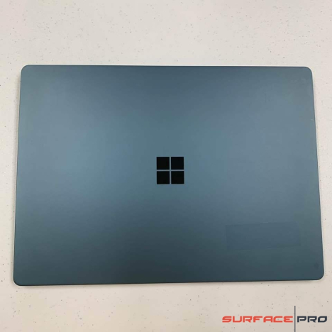 Surface Laptop ( i5/8GB/256GB ) 4