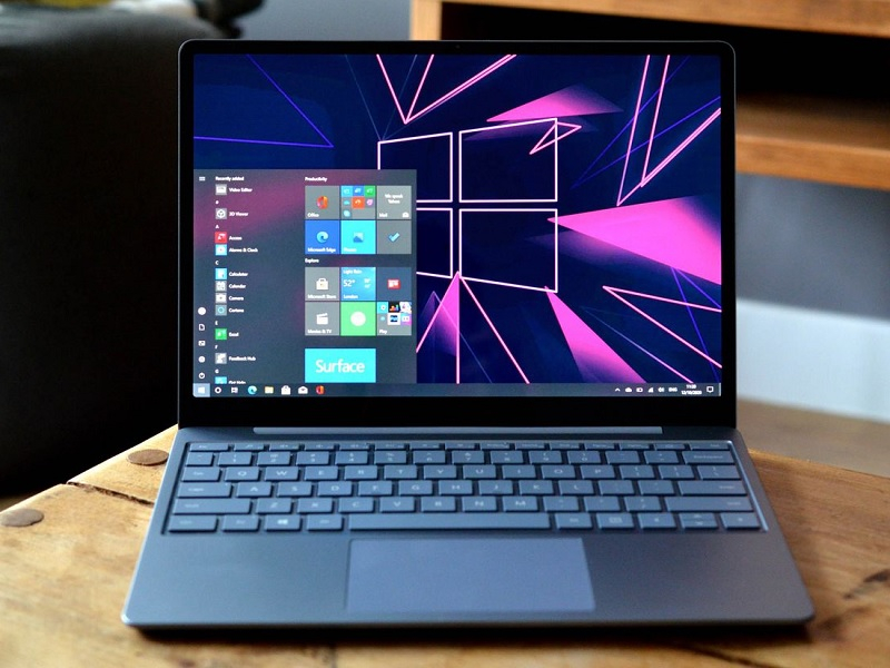 Microsoft Surface Laptop Go.